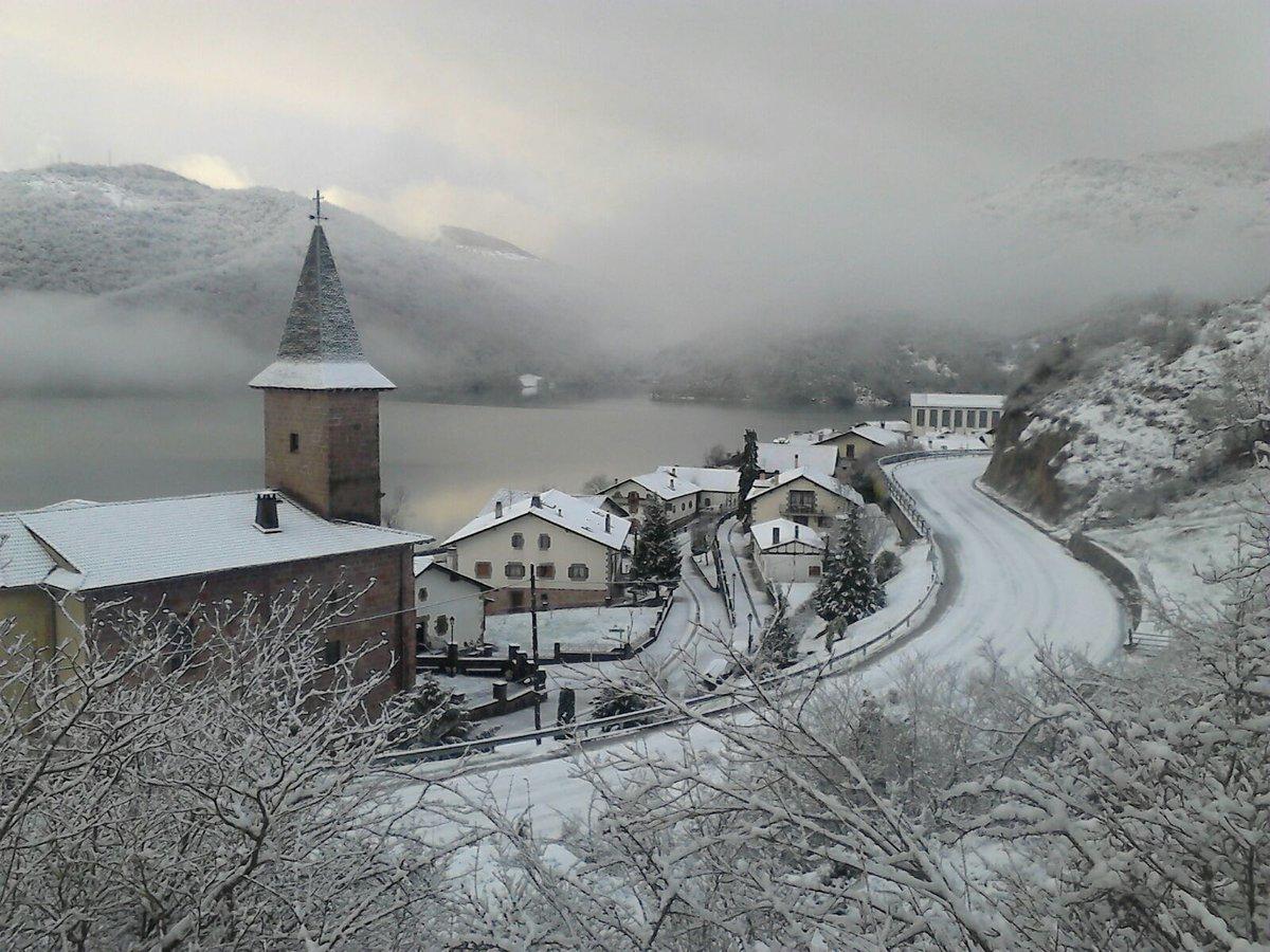Bonita estampa de primera hora de la mañana en Eugi. Así da gusto arrancar temporada en @QuintoReal #nieve