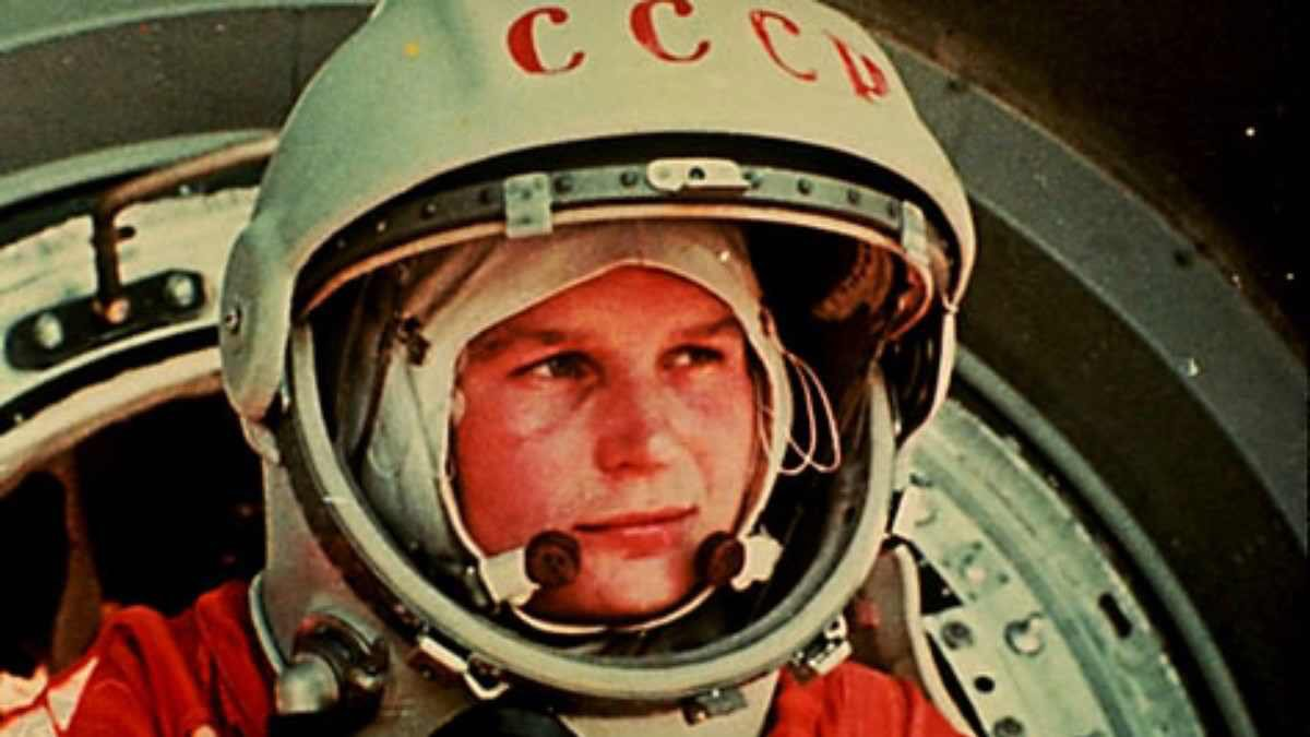 Happy 79th Birthday Valentina Tereshkova. The first woman in space. A brave pioneer. We can learn a lot from her. https://t.co/6lHXjO4NRC