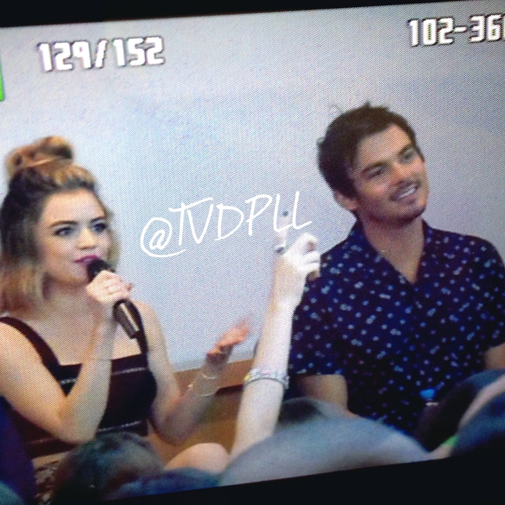 Mais fotos da Lucy e Ty no painel duo. ❤️