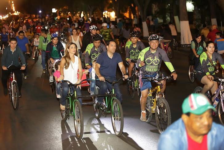 #MÉRIDA: Inaugura @MauVila  la Bici-Ruta Nocturna https://t.co/QxEZstXbKR https://t.co/GfUf7kiwQY