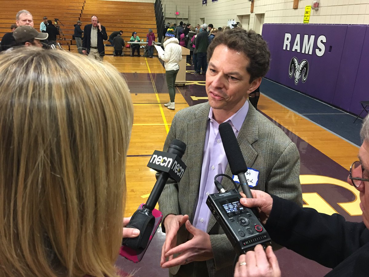 Sen. Alfond to submit bill tomorrow to switch Maine from caucuses to primaries. #mepolitics https://t.co/bVthaYwFSm