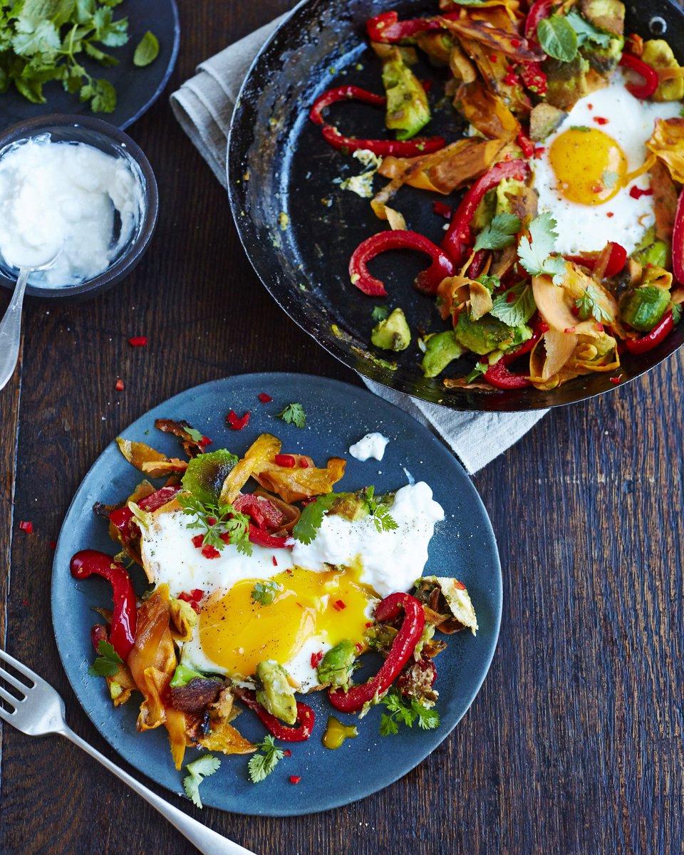 #breakfast charred avo and eggs!! Recipe in @JamieMagazine ???????????? https://t.co/rYvYSTCE3x