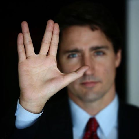 Wait, if @KimCattrall is Trudeau's mom, does that mean he's... half-Vulcan?! https://t.co/XXPt7fVII3