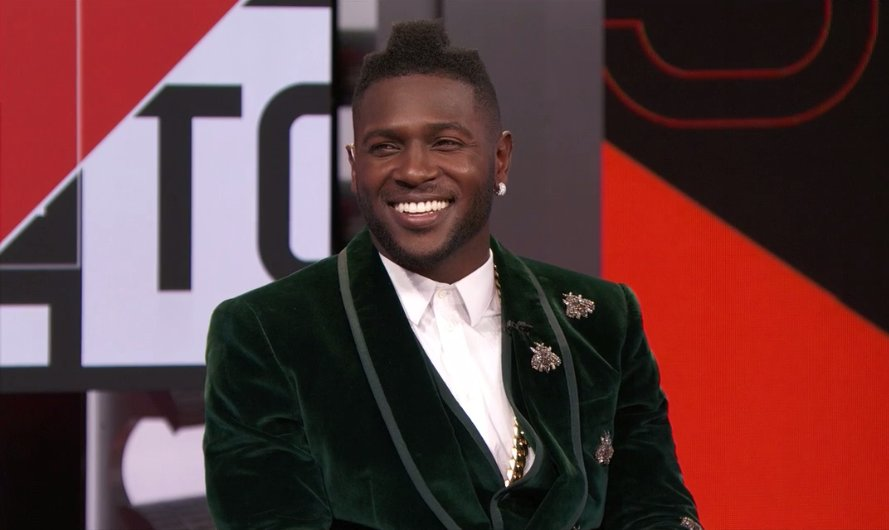 Antonio brown brought his a  suit game to sportscenter today