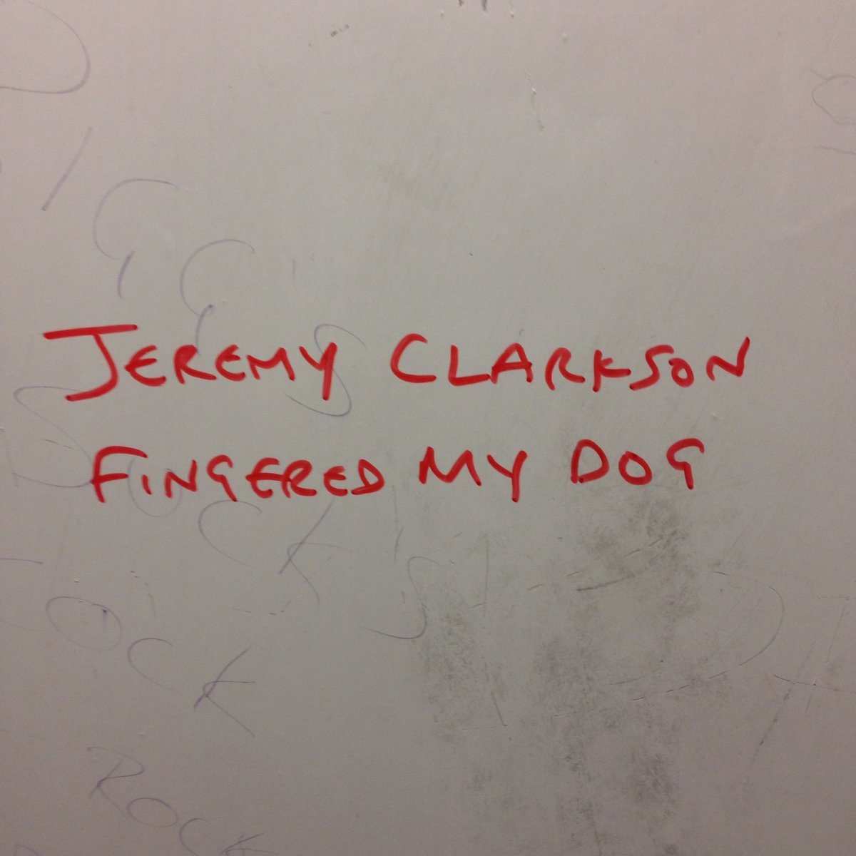 I think this is the best piece of graffiti I've ever seen. https://t.co/2spnLuUui7