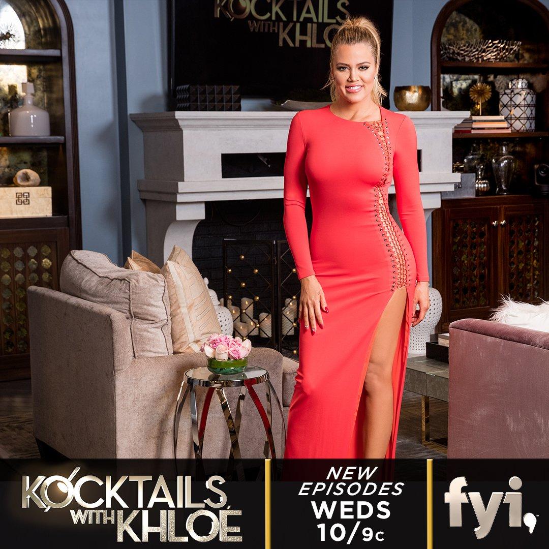 RT @KrisJenner: My fav day of the week :) #kocktailswithkhloe tonight at 10pm! https://t.co/oLmfHPwAs6