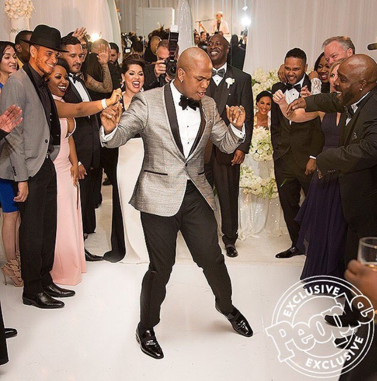 Oh. Just in @people thanx for having me at ur wedding bro!!! @NeYoCompound #neyo #wedding https://t.co/fO8v3QFOBQ