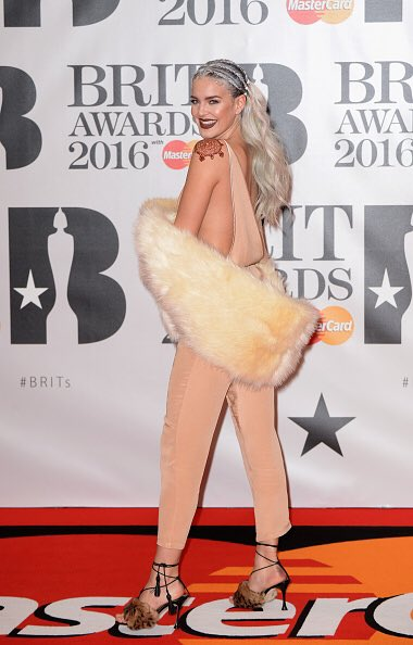 @ffscarla your fave looked good #BRITs2016 https://t.co/NUJohlXZB2