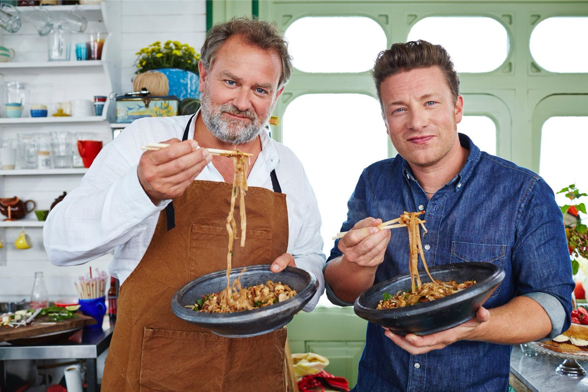 One from last year on tonight! #FridayNightFeast with the brilliant Hugh Boneville @Channel4 7.30pm! https://t.co/dVQwZaWsyU