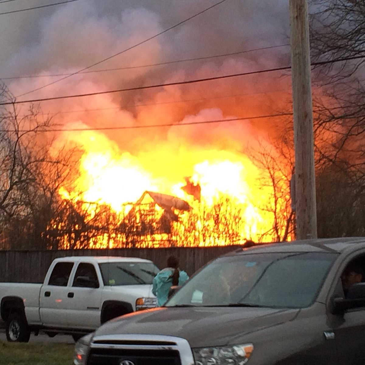 #BREAKING Another pic just sent into our newsroom of what appears to be a massive fire in Newport @wpri12 https://t.co/kFoUHlUAyA
