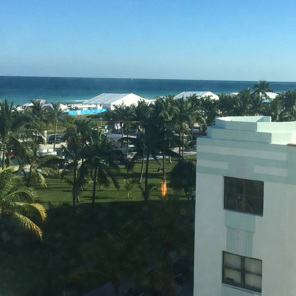 Room with a view.....how we roll in #SouthBeach. #BallersontheBeach #SOBEWFF #miami https://t.co/9uvUcC7TnP