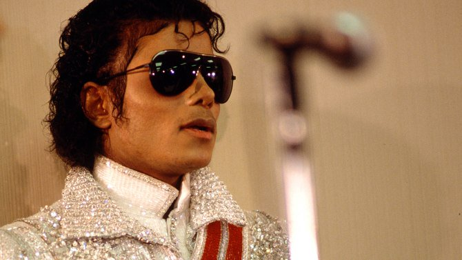 Quincy Jones' lawsuit against Michael Jackson estate headed to trial via @VarietyLatino