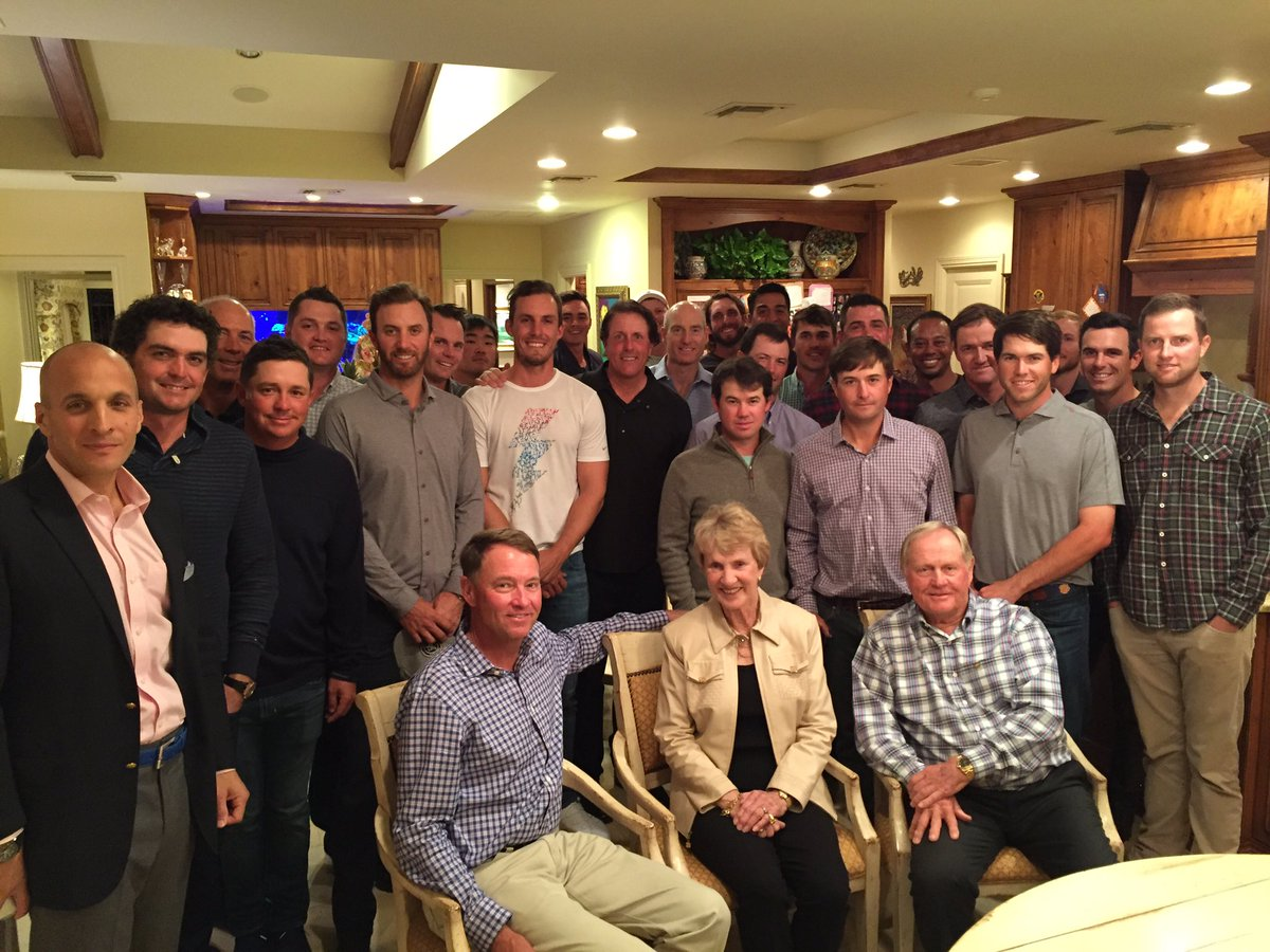 Special night w/ Jack & Barbara Nicklaus. Incredible insight for me, Vice Captains & potential US #RyderCup players https://t.co/MCzp0bf9SR