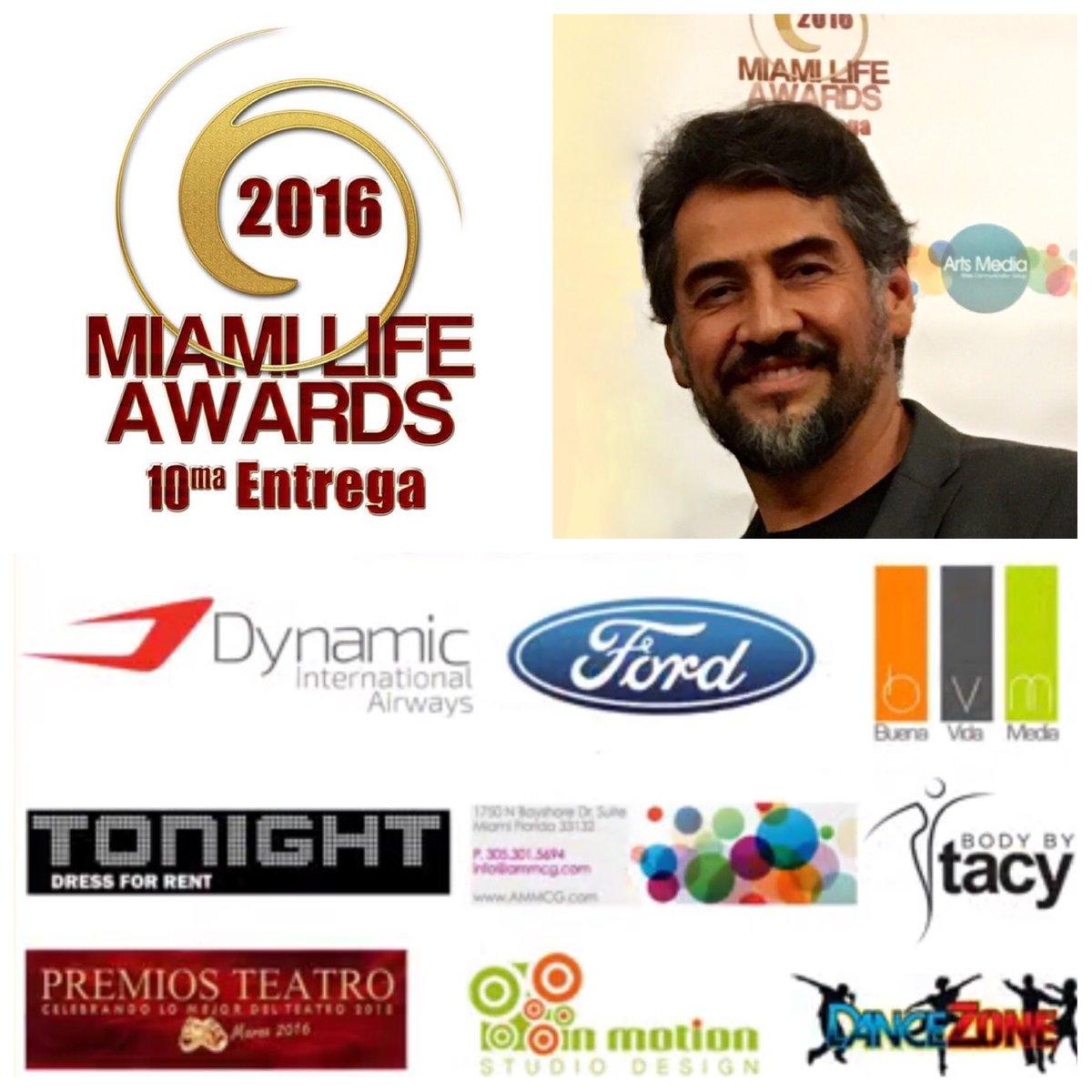#MiamiLifeAwards 10ma Entrega - Telenovela Actor Protagonista del Año gana @Gabriel_Porras en #BajoElMismoCielo https://t.co/1e2YMwwZev