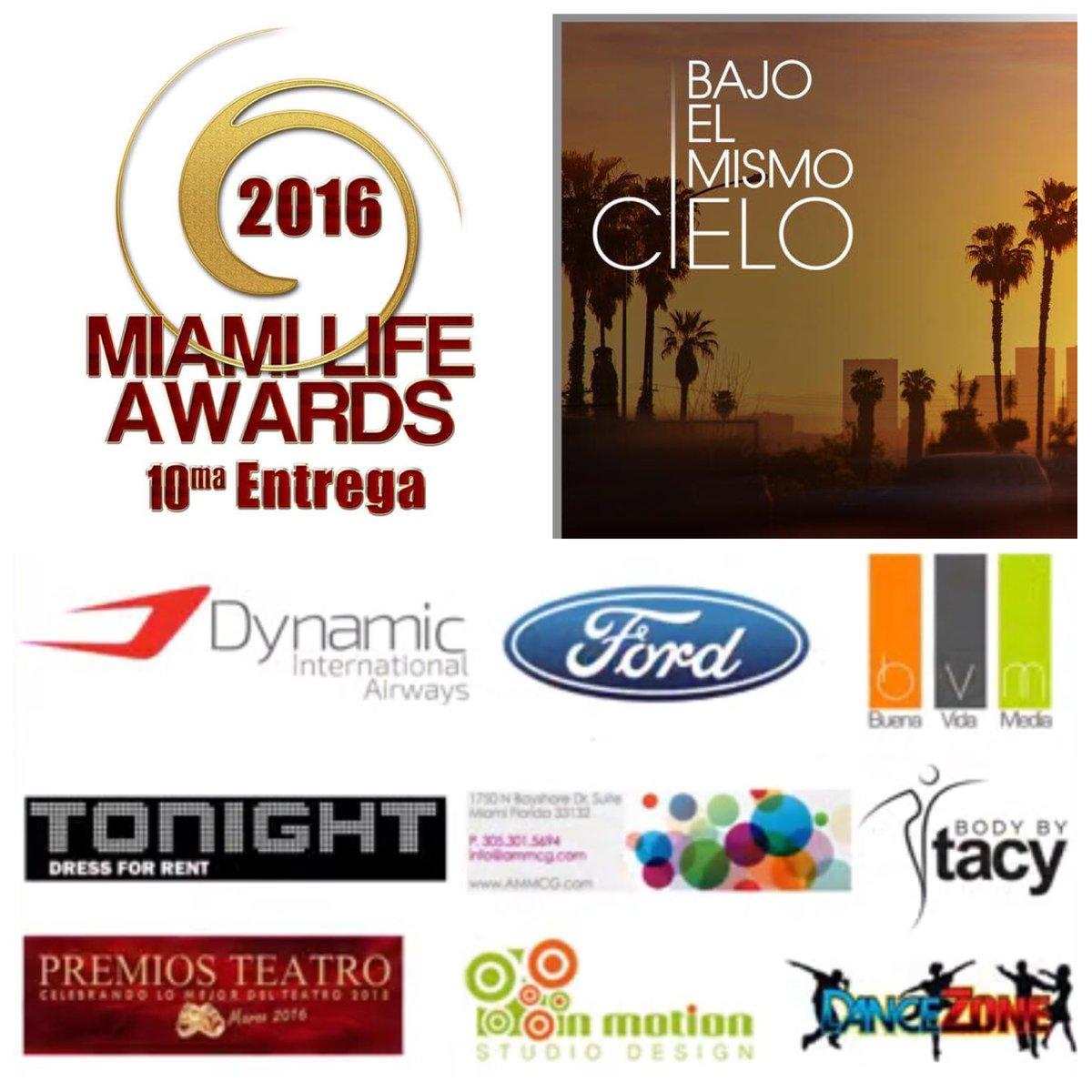 #MiamiLifeAwards 10ma Entrega - Telenovela del Año gana  #BajoElMismoCielo @Telemundo @Gabriel_Porras @MariaECamargo https://t.co/UAOmVP80Na