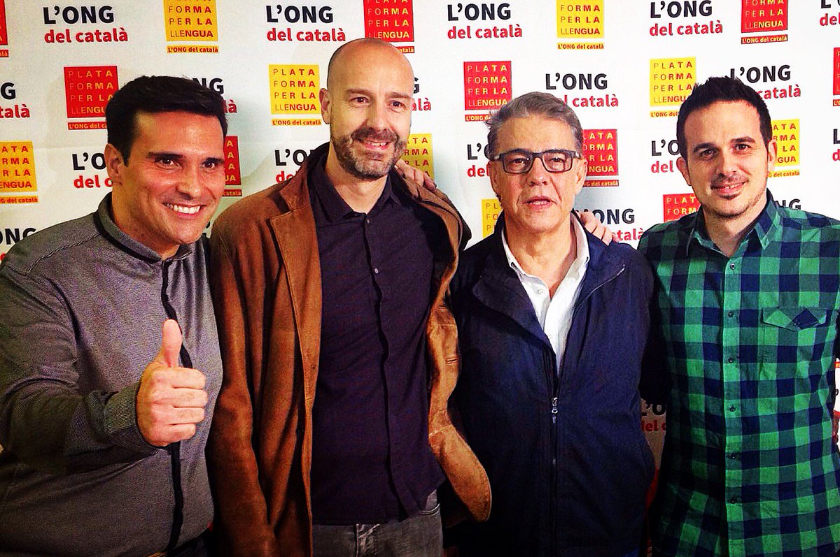 Gràcies @Fotlipou, #Puyal i @fgarriga per una retransmissió del #Fifa16 en català del tot NORMAL. @llenguacat https://t.co/KVsl6lAF0h