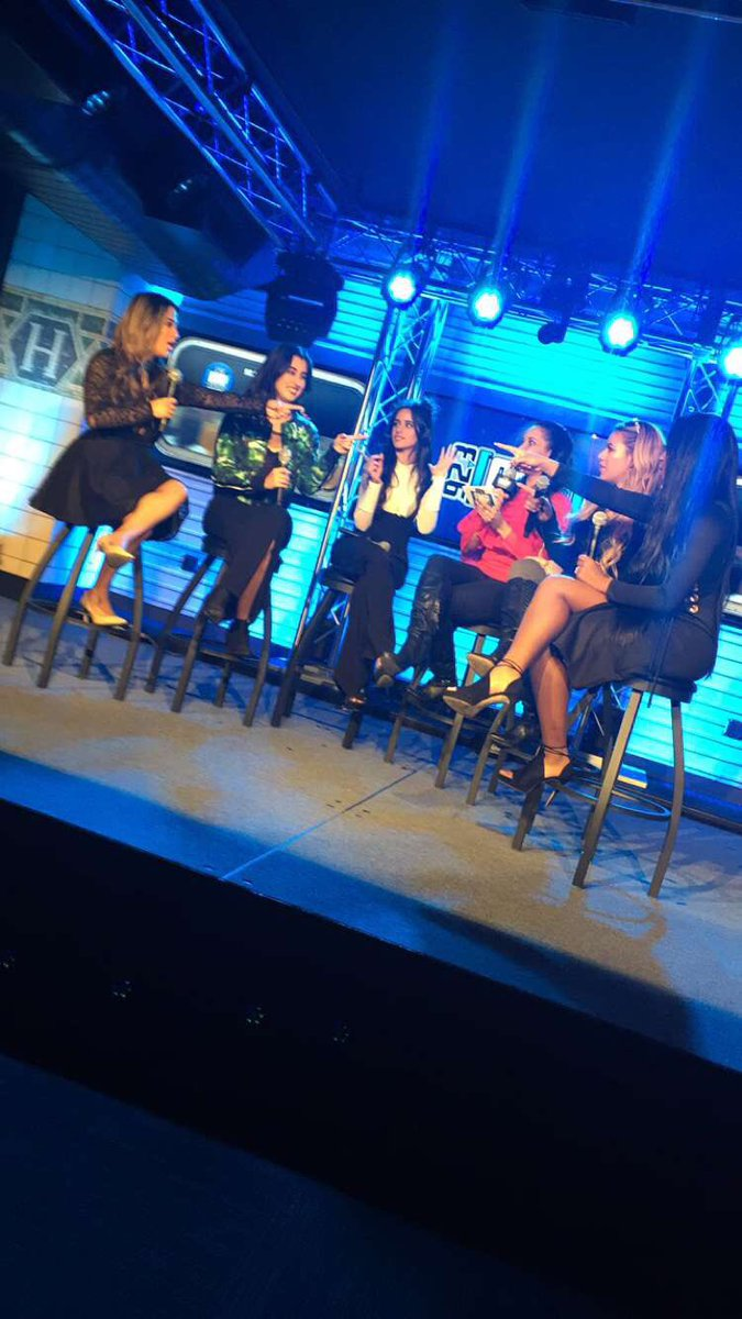 Good times today with the ladies of @FifthHarmony at @923amp. Follow me for updates on when the interview is posted! https://t.co/HVRmYFTjMZ