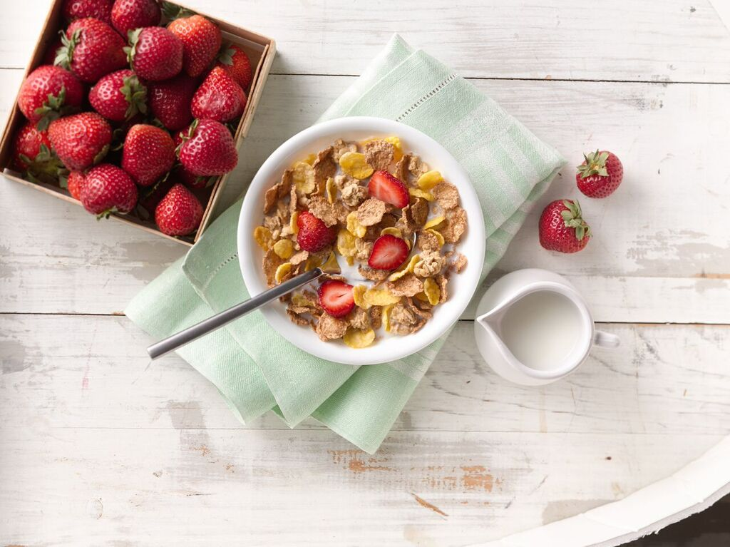 Fruit or no fruit in your cereal? Grab some @NatureValley now #PowerYourMorning #shopping ad https://t.co/HJ5FSatQ7y https://t.co/f3O3bDzhhj