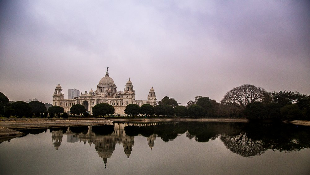 Victoria Memorial, Kolkata, at sunrise https://t.co/rbMlzRIiV7
