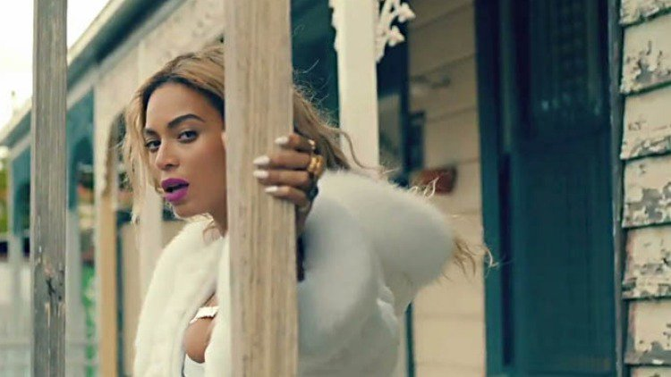 House featured in Beyonce music video sells for $650,000 at auction https://t.co/JzzJZmr62Z https://t.co/1xsMPgJTZN