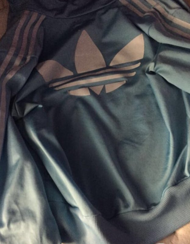 RT : Oh god, here we go again... I see dark green and brown. Josh sees white and blue. WTF