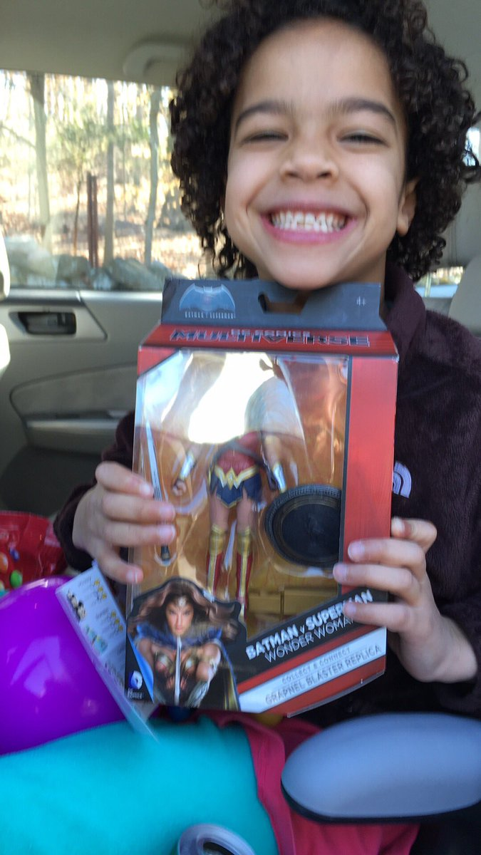 @GalGadot My daughter was excited to find you right there with the boys! She loves #WonderWoman #BatmanvSuperman https://t.co/ewFnV8msvk