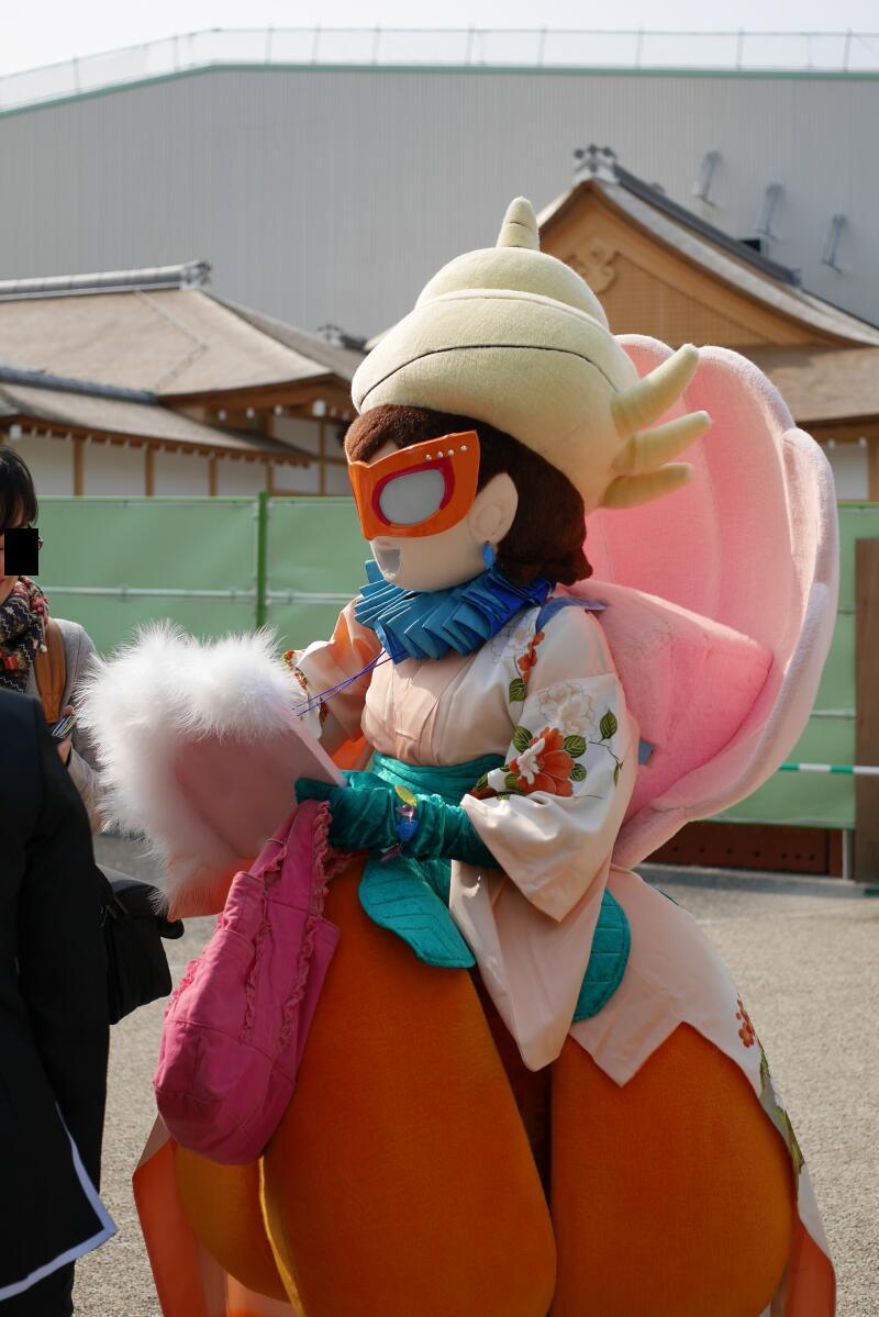 愛知県南知多町から来ていた「フランソワーズびわ」さん。今日も名古屋城に出没します。レイヤーさんではないので撮影は自由、そして知多半島とか岐阜の話題を振ると喜んで喋ってくれます。 https://t.co/cJVE1xBk20