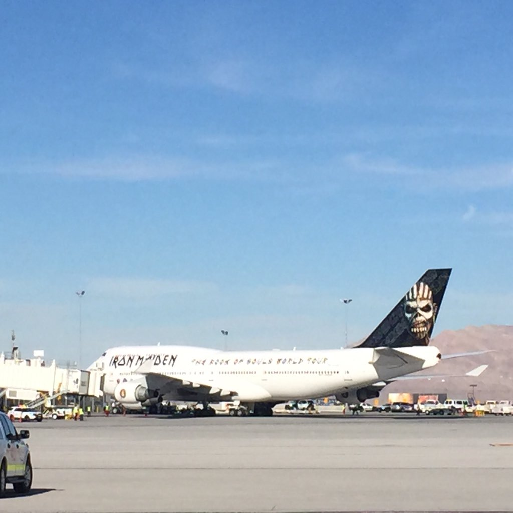 #EdForceOne and @IronMaiden arrive at @LASairport #Vegas https://t.co/0vGclhUsvA