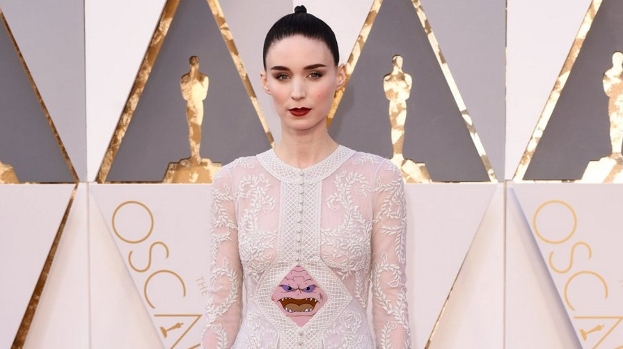 Rooney Mara seems to be promoting TMNT 2 on the Red Carpet. #Oscars https://t.co/wYGzMrT3bR
