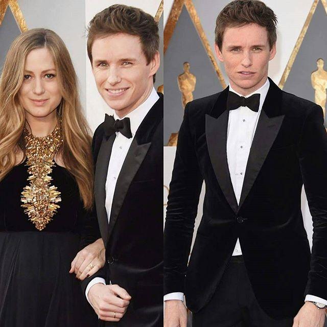 Eddie Redmayne optou pelo tradicional mas com uma textura diferente na lapela. #Oscars https://t.co/j8RFD0cwJ5