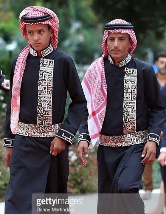 """فلم """"ذيب"""" الأردني مرشح لجائزة الأوسكار عن الأفلام الأجنبية ، جميل اعتزاز الممثلين بالزي العربي في هوليوود ! https://t.co/HnGck94sFd"""