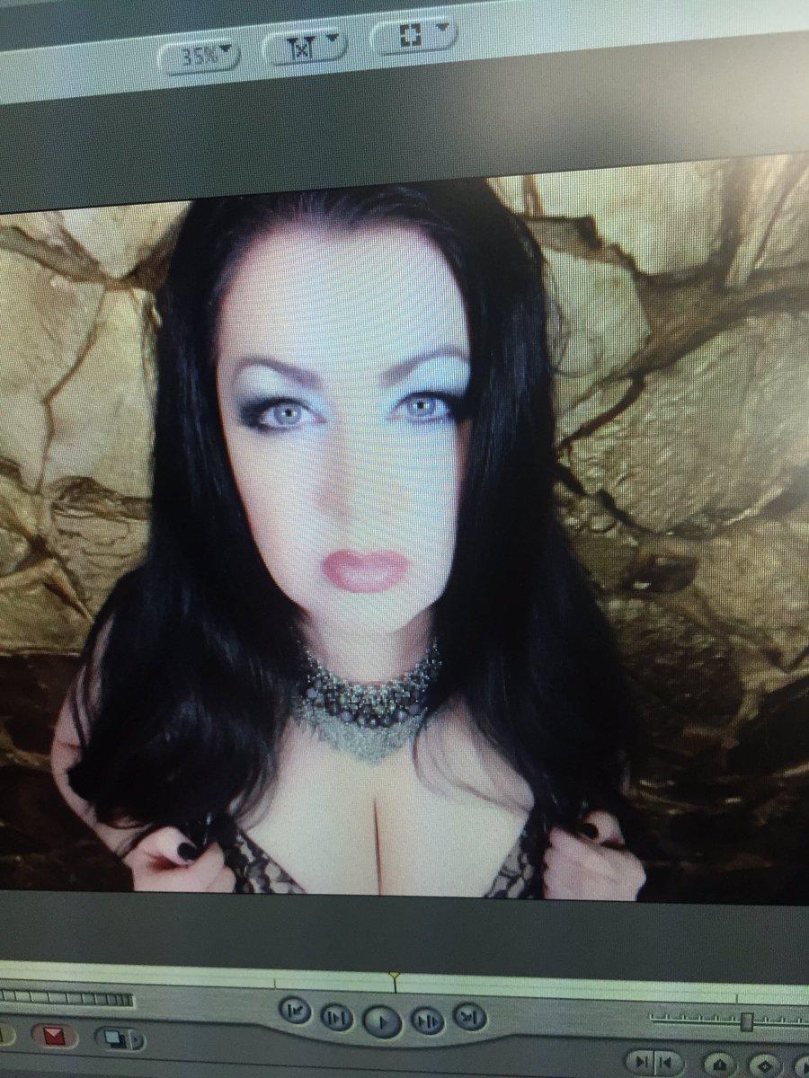 Editing a new #erotichypnosis video #hypnodomme hugemwuvsI