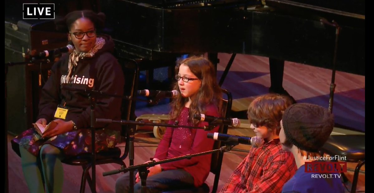 Listening to these kids talk about drinking water at school and being forced to buy water. #JusticeForFlint https://t.co/81o83IymF6