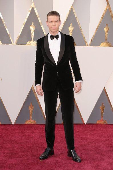 WILL POULTER TÁ NO TAPETE VERMELHO! #Oscars https://t.co/r4Q1kbLvSW