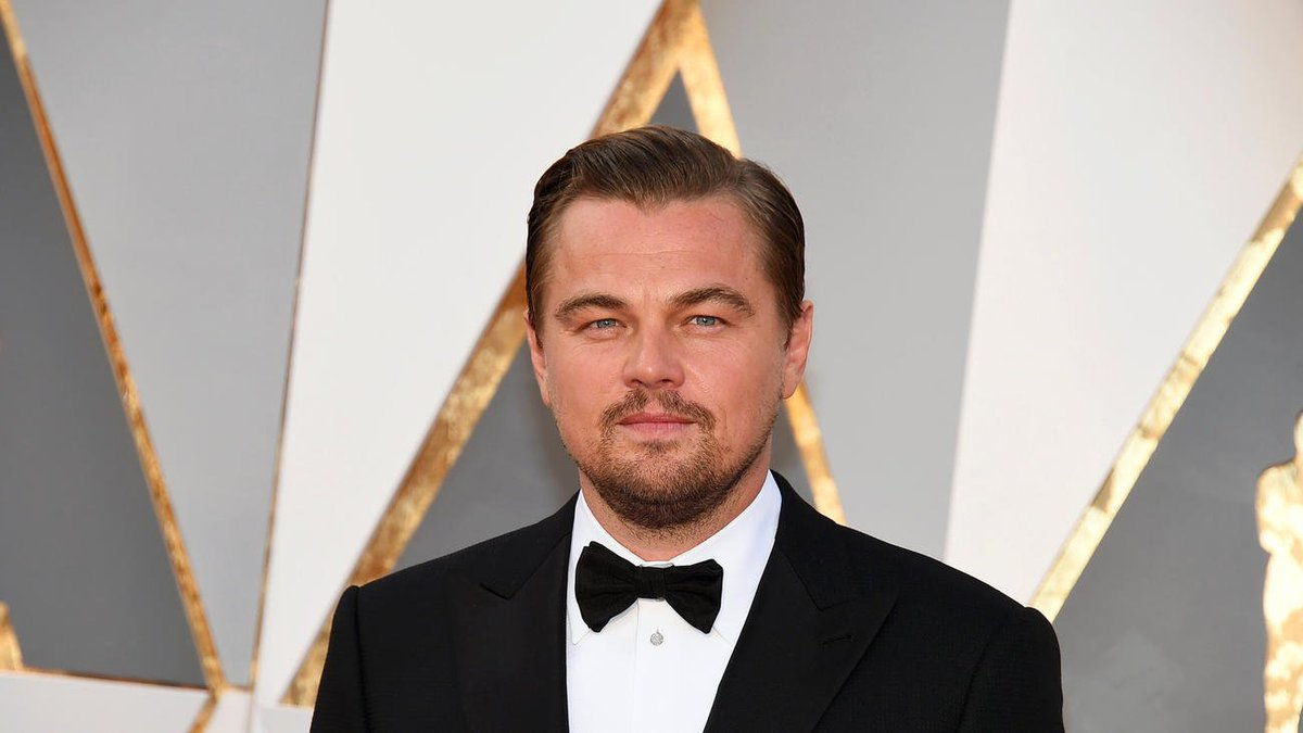 "Leonardo DiCaprio (finally!) wins Best Actor for ""The Revenant"" -- his first Oscar ever https://t.co/wvvnWW6pFt https://t.co/YB23UrE1Im"