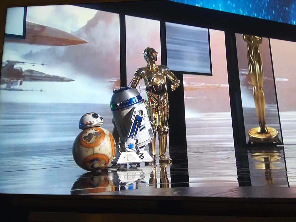 Best Presenters go to #bb8 #r2d2 and #C3PO #Oscars https://t.co/gY46ez1W18