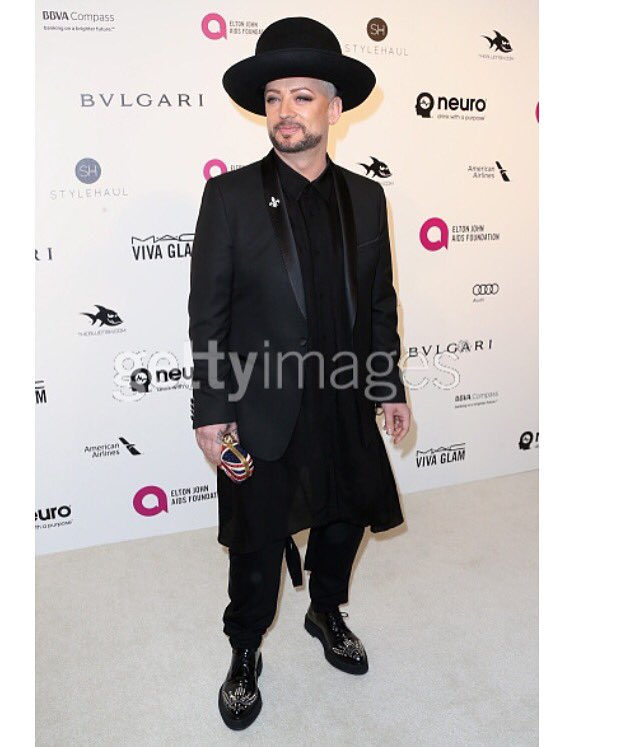 Styled @BoyGeorge #EJAFOscars #diamonds https://t.co/xX9myCVAjT