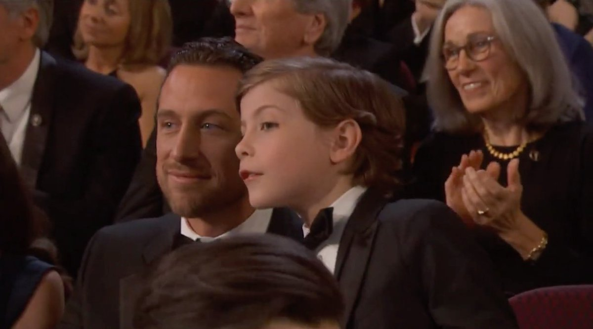 Oscars: Watch Jacob Tremblay get out of his seat to see the 'Star Wars' characters