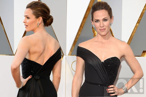 Jennifer Garner looked stunning as she went solo on the red carpet: