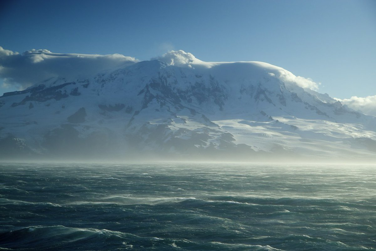 We love this stunning image of the Southern Ocean from @IMASUTAS. @CSIROnews #investigator #voyage #science https://t.co/XRQLKmhJ4D