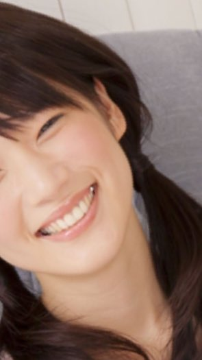 内田真礼さんの銀歯めっちゃ良い~!って思って画像漁ってたんだけど、この世のどこかに女性声優の口に手を入れて虫歯治療をした歯医者がいると思ったらめっちゃつらくなった。 https://t.co/iWjOPcuVKw