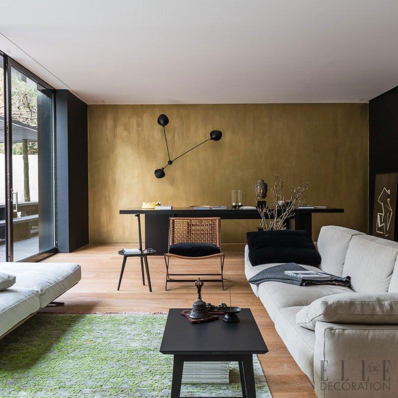 Cologne: Black U0026 Gold Backdrop + Serge Mouille Lamp + E15 Isaac Table +  Citterio