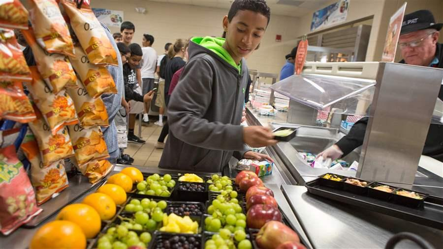 """Offering students more nutritious foods in schools sets children up for healthier lives."" https://t.co/NZvmIeeSfZ https://t.co/gzg5wGh5r9"