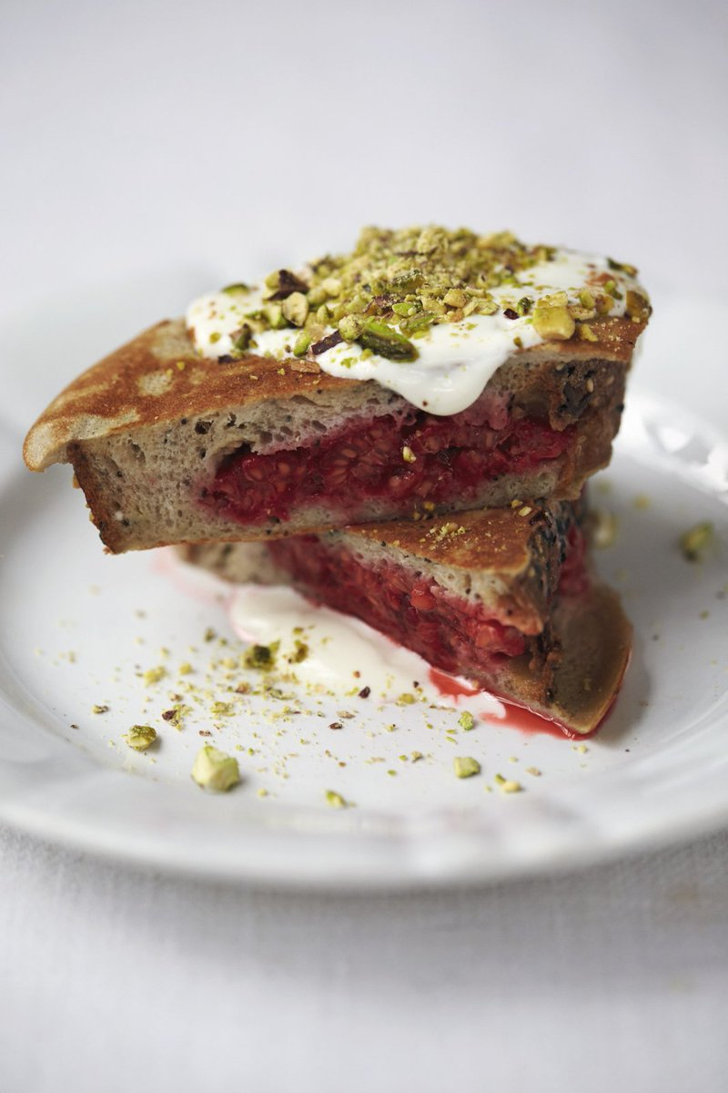 #RecipeOfTheDay - Treat your mum this #MothersDay to our delicious berry pocket eggy bread. https://t.co/q7DzfaX6Rj https://t.co/hF7cWWzkJH