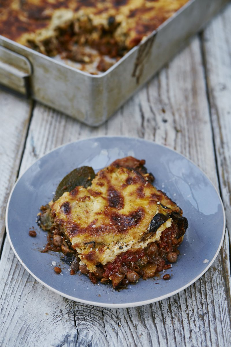 I've taken a classic moussaka and transformed it into a #veggie delight! https://t.co/rBllnAwOAi #RecipeOfTheDay https://t.co/v42bzUyjo7