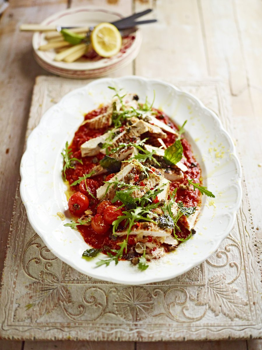 You'll love this simple version of chicken #Arrabbiata from @JamieMagazine: https://t.co/TONVsZEAma #RecipeOfTheDay https://t.co/NQ1oHJMQPZ