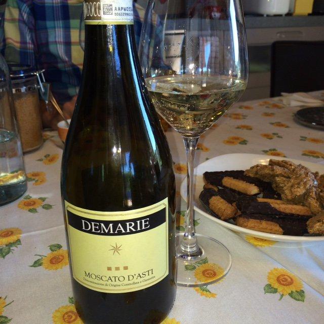 A surprise #wine and #food pairing in Piedmont https://t.co/DMT5uOTPea @valeriekq  @Wine_Pass #TravelTuesday https://t.co/iOhBcBdsug