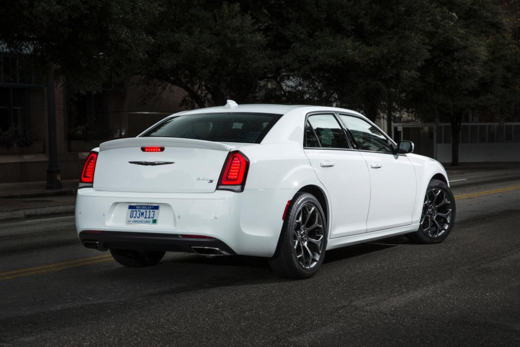 Crisp and clean. #Chrysler https://t.co/gcD6gPci9U