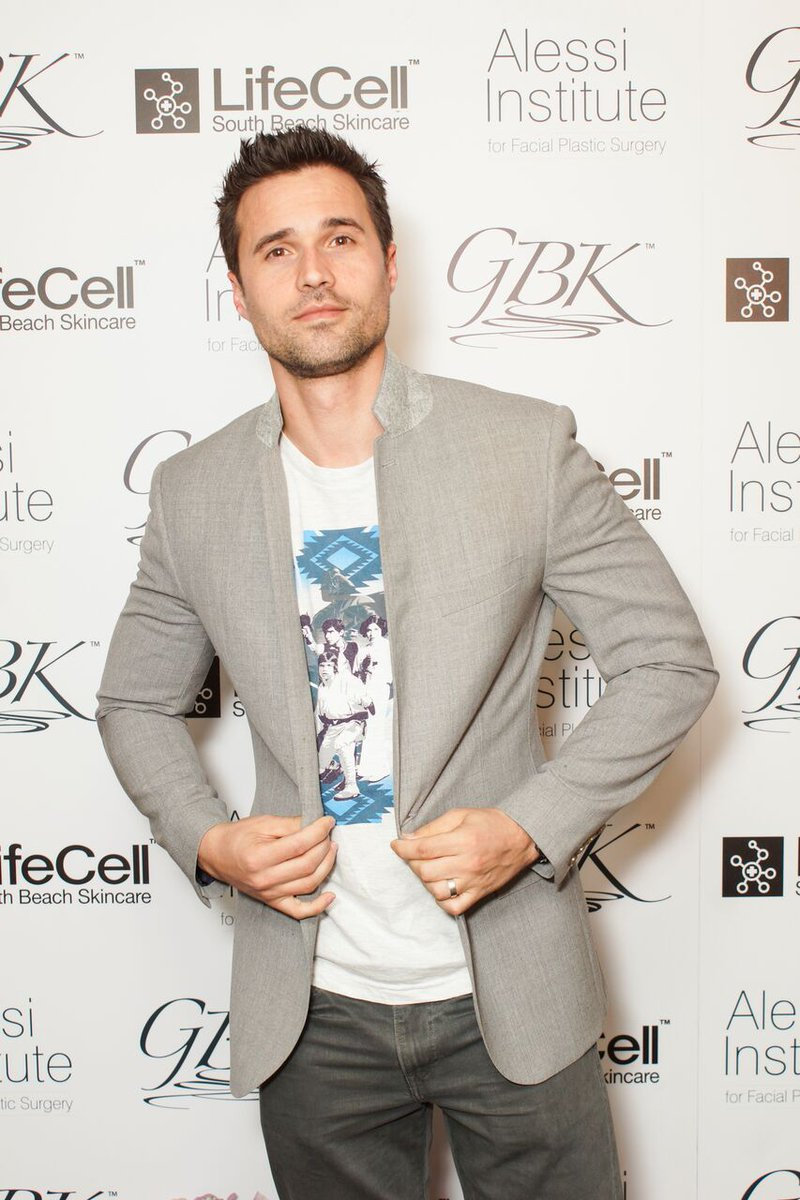 ABC's series Agents of S.H.I.E.L.D, Brett Dalton at our Oscars Lounge! @imbrettdalton #ManCrushMonday #GBKPreOscars https://t.co/kBx0Owz240