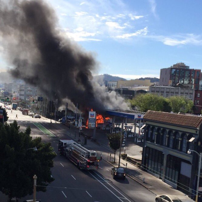 Gas stations on fire are never good... Current situation at 9th and Howard #SF https://t.co/ZUx1Gc3BTG